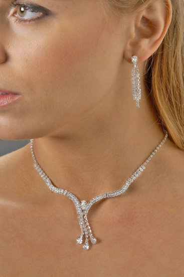 Elegant Triple Drop Rhinestone Necklace Set