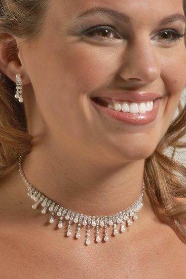 Dramatic Pearl Necklace Set