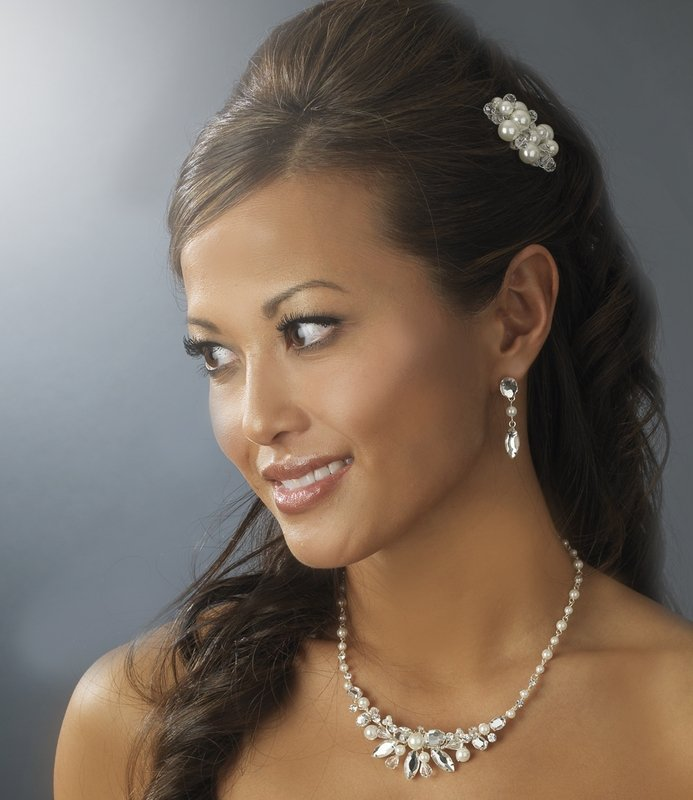 Exquisite Crystals and Pearls Necklace and Earring Set