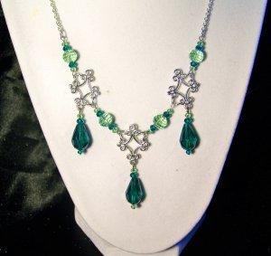 triple diamond-fleurette drop