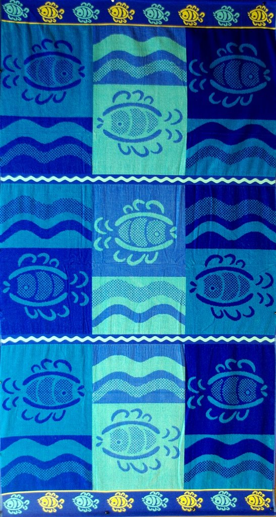 """Egyptian Cotton Beach Towel """"Fish World"""" (40x70 inches)"""