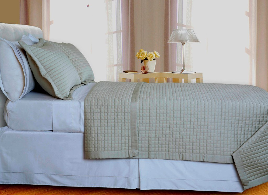 Beige Tan Checkered Coverlet Set Egyptian cotton 400 Thread count Reversible