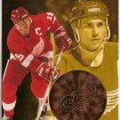 Steve Yzerman 1996-97 Pinnacle Mint Bronze #12