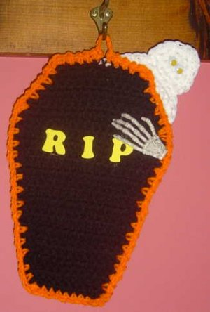 HALLOWEEN COFFIN POTHOLDER