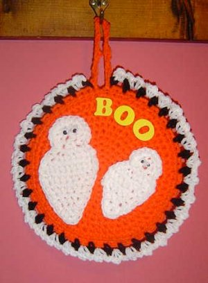 2 GHOST POTHOLDER/WALLHANGING