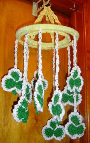 ST PATRICK SHAMROCK MOBILE crochet