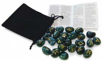 Bloodstone Rune set by Llewelyn - DRUNBLO