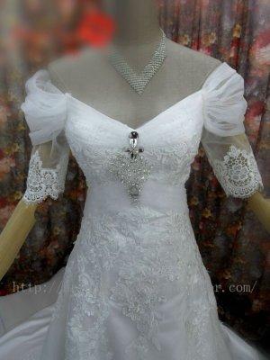 Off-shoulder Half Sleeve Lace V-neck Bridal Wedding Dress Gown