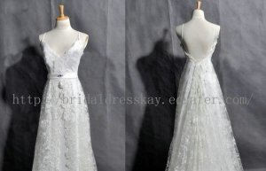 Sexy Low Back V-neckline Lace Bridal Wedding Dress Gown