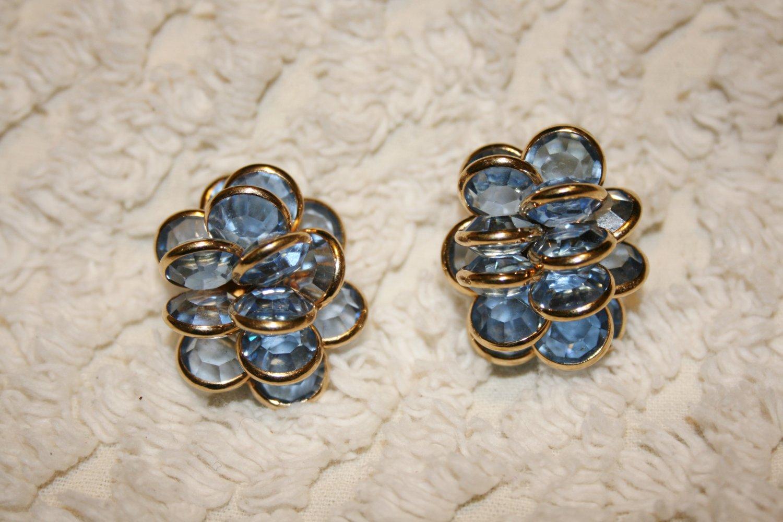 VINTAGE SAL Swarovski Blue Glass Clip Earrings