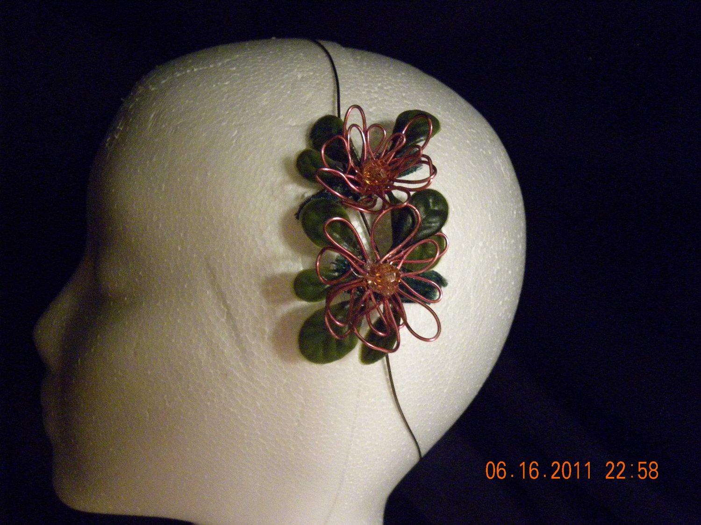 Wire flower clip