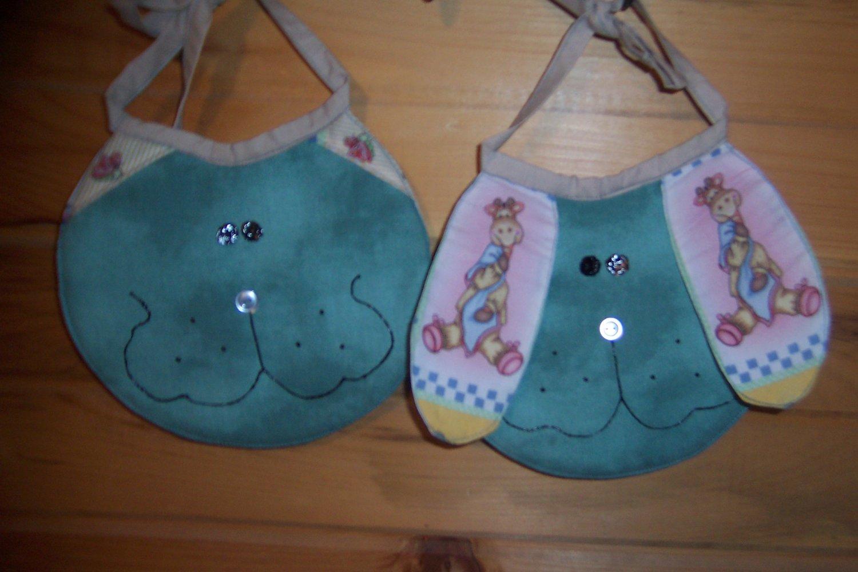 2-pc Playful Pals Bib Set - Nursery Animals