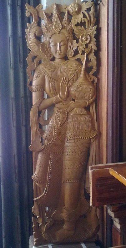 Wood carve