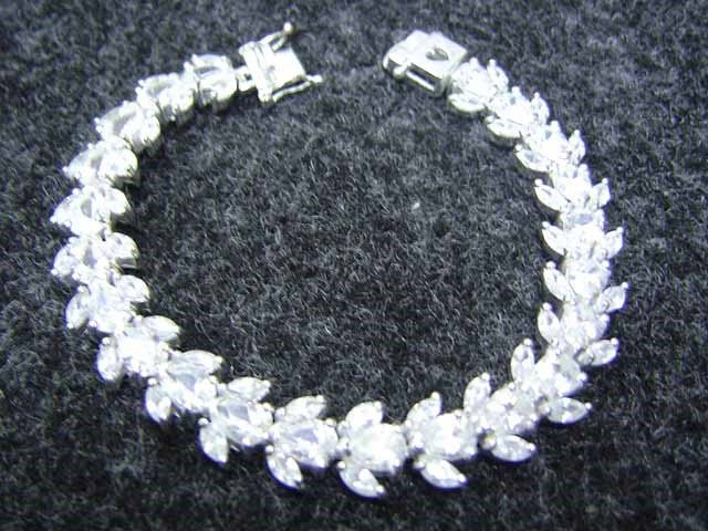 Beautiful 925 sterling silver with Cubic Zirconia Bracelet