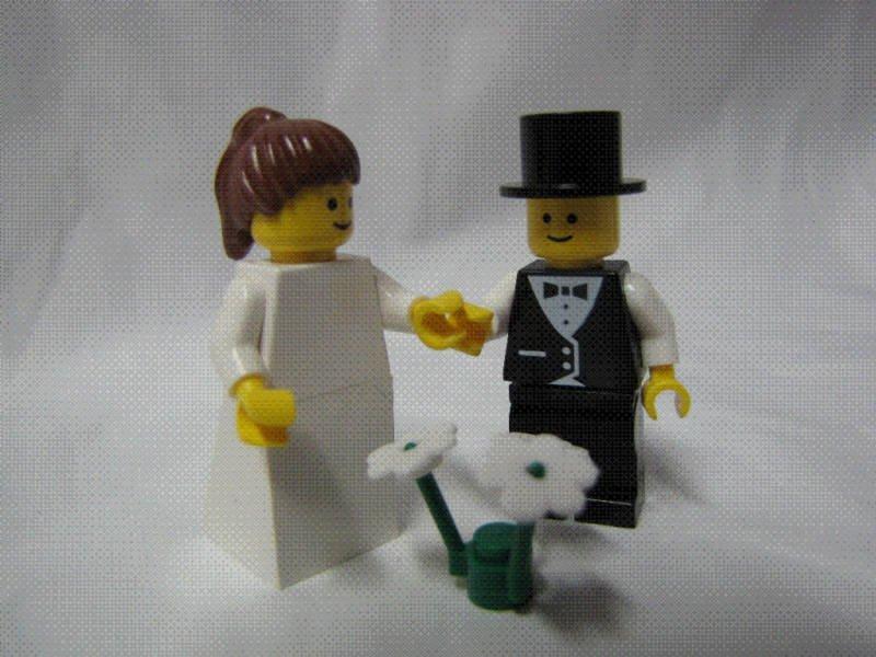 Lego BRIDE & GROOM Wedding Minifig Brown Hair PONYTAIL