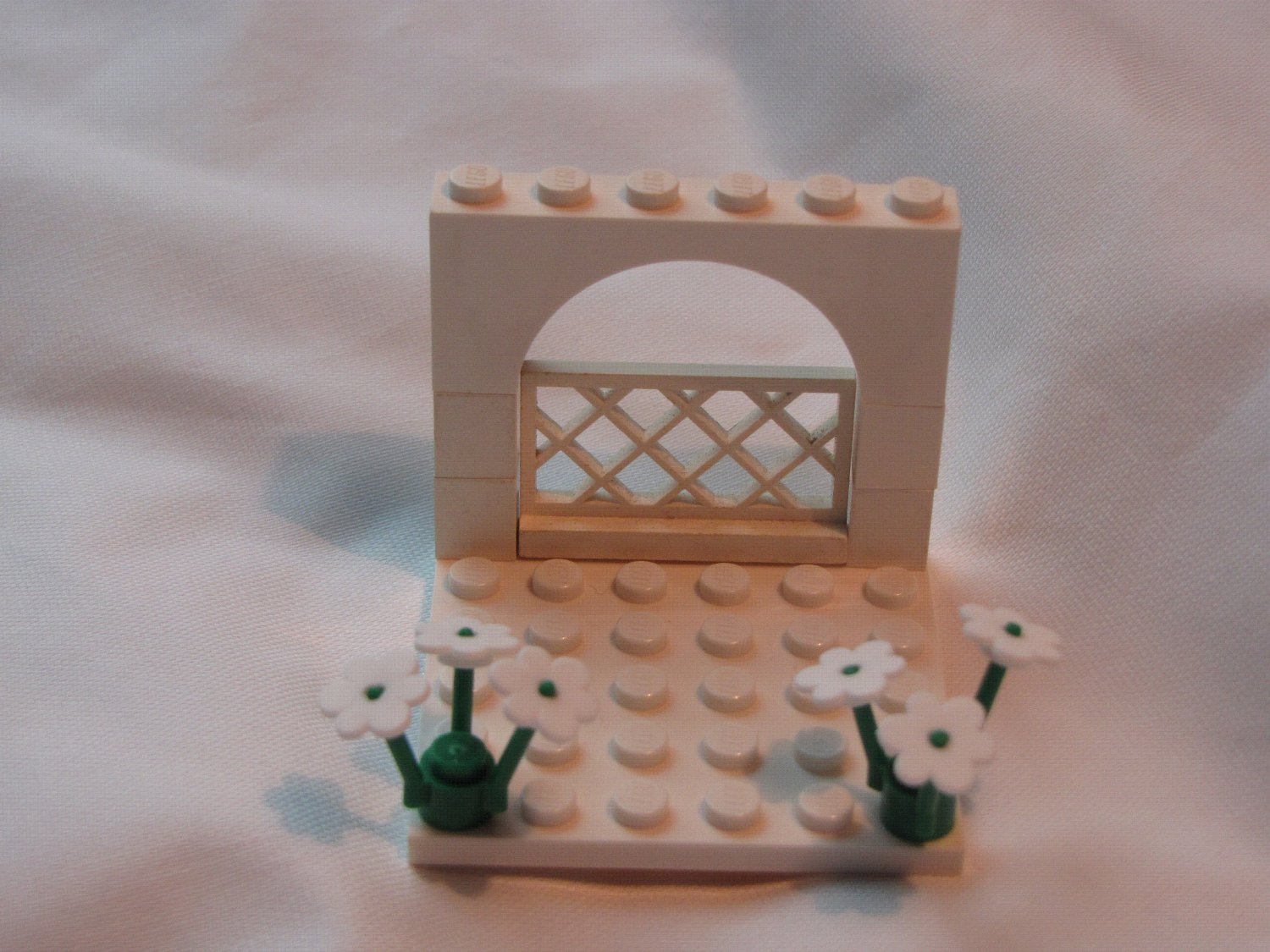 Lego WEDDING ARCH for Bride & Groom cake topper minifig