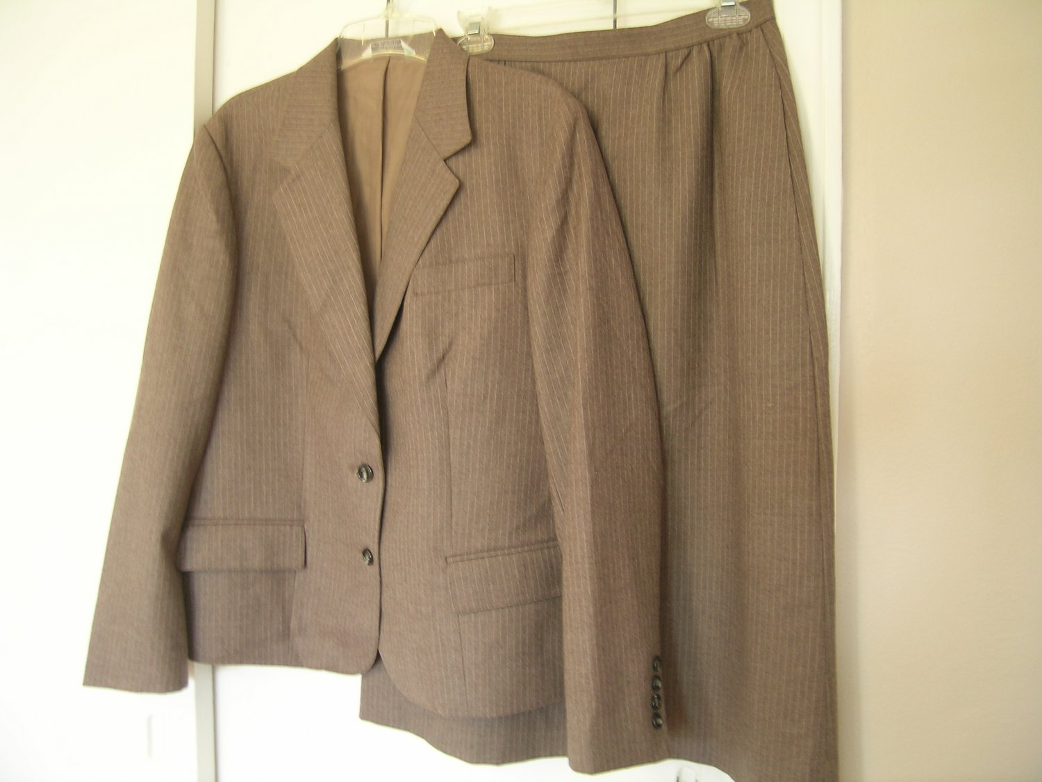 ICI By Bonders Ladies Skirt Suit Size 10 ???