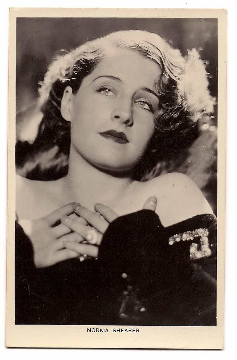 "NORMA SHEARER PICTURE POSTCARD BRITISH MFD  No.206d ""Picturegoer"" Series, 85, Long Acre,London"