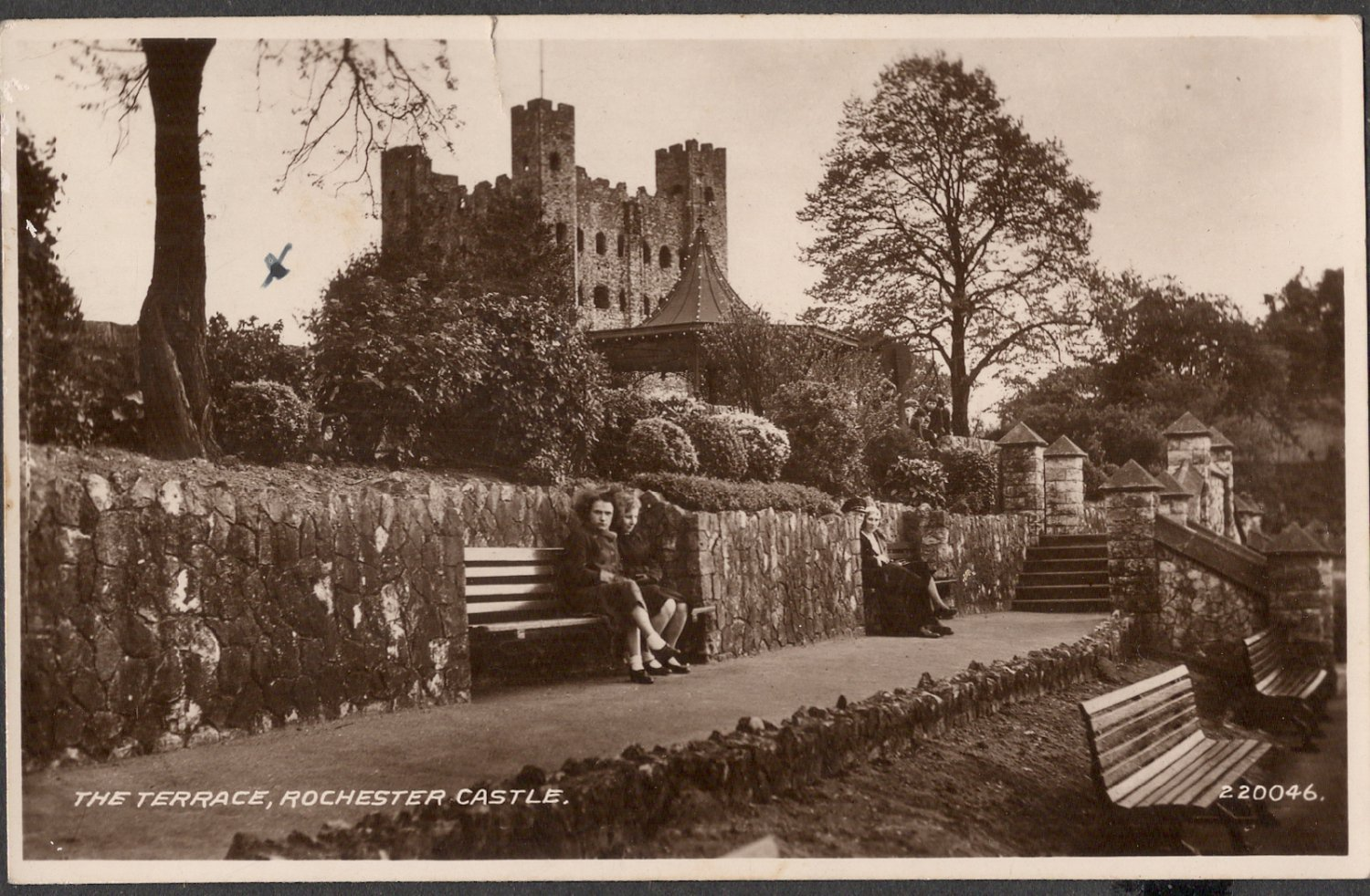 ROCHESTER CASTLE 1949 PICTURE POSTCARD REAL PHOTOGRAPH