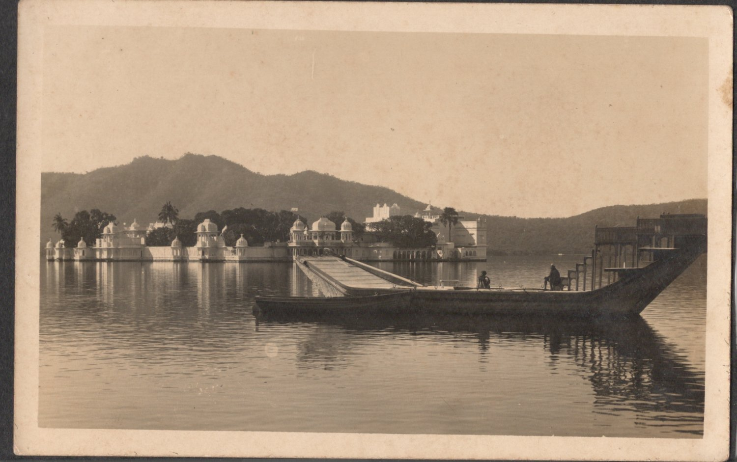 LAKE TEMPLE VIEW FROM INDIA VINTAGE OLD PICTURE POSTCARD
