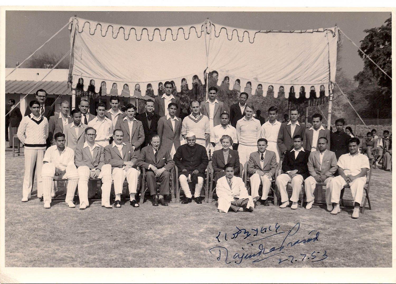 Dr Rajendra Prasad Memorabilia - GOVT SPORTS CRICKET Pic 1953 Autographed