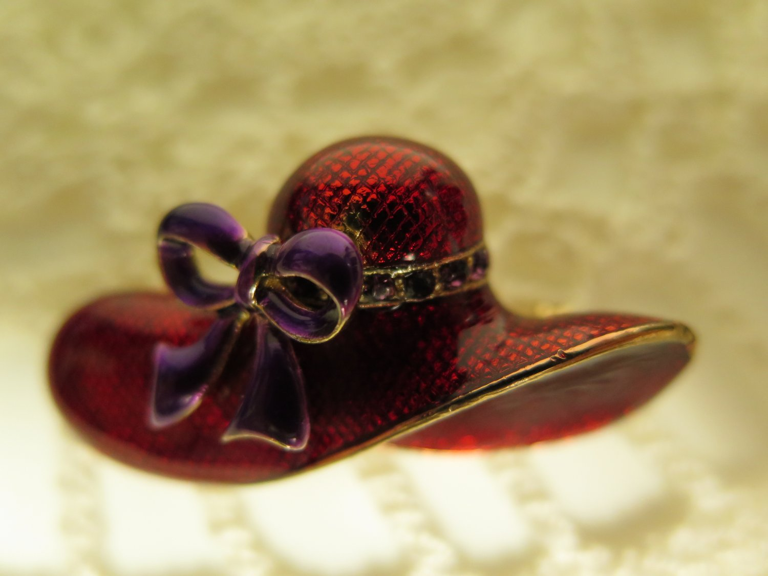 Vintage Red Hat Brooch Red Hat Society Enameled