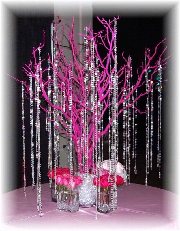 Hot pink manzanita tree with beaded garland accents