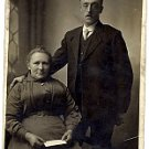 Posed Photo of Husband and Wife - Photo #28 (1900-1920)