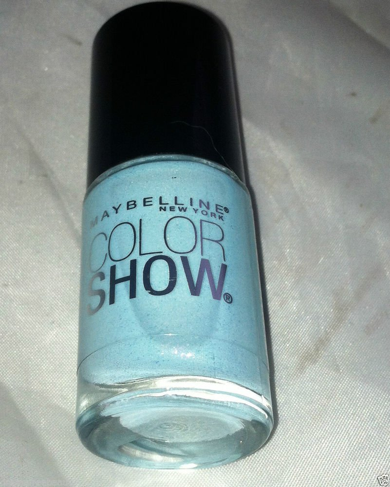 Maybelline Nail polish Color Show * 315 FROZEN OVER * Pale Blue w/ Iridescent