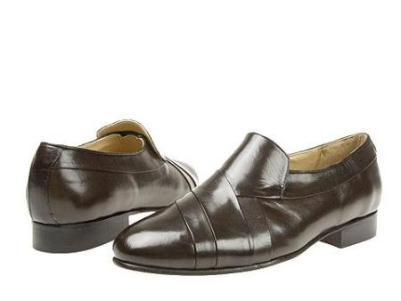 Brown Hand-pleated vamp slipon with center gore in kid skin upper. Genuine leather sole