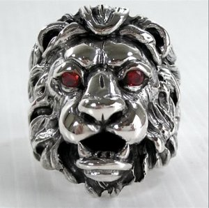KING GARNET LION HEAD LEO HEAVY STERLING SILVER RING