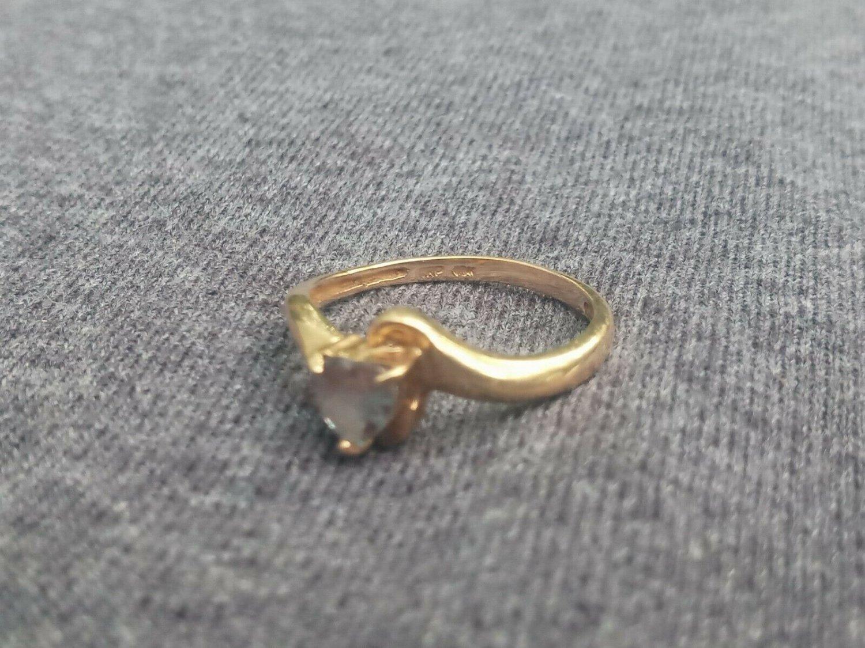 10K Yellow Gold Aquamarine Heart Prong Set Ring Size 6 1/2 6.5 1.62 Grams