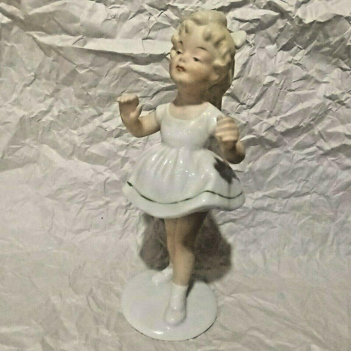 Wallendorf Figurine Little Girl Germany Mould # 1762 Vintage Child German