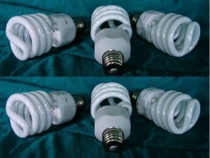 3 BLOOM & 3 GROW Compact Fluorescent LIGHT Bulbs 6 CFLs