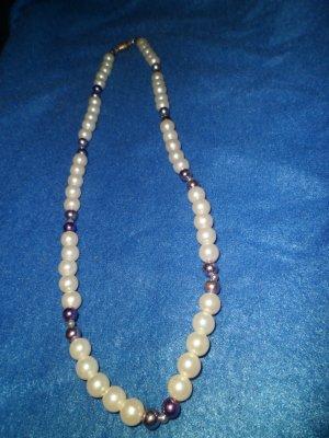 Purple & Pearl Neckace