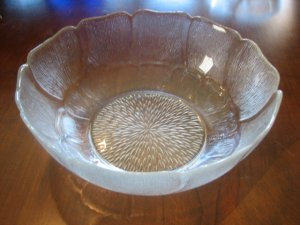 """Arcoroc Fluer 9"""" Serving Bowl"""