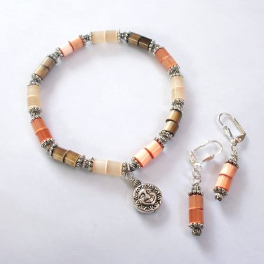 Apricot Glass Cats Eye Bracelet and Earring Set