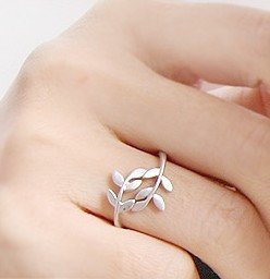 Olive Leaves Ring - in Gold or Silver