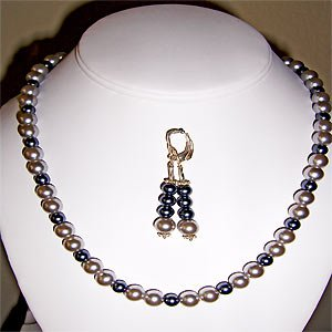 013ST - Fashionable Fresh Water Pearl set.