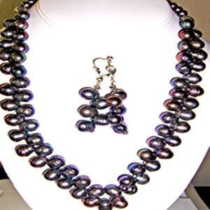 01ST-Very beautiful set of black F.W. Pearl