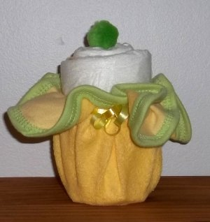 Deluxe Washcloth Cupcake W/Pom Top