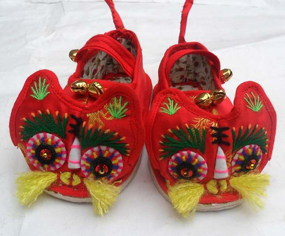 Chinese Traditional Toddler Hand Made Embroidery Tiger Shoes