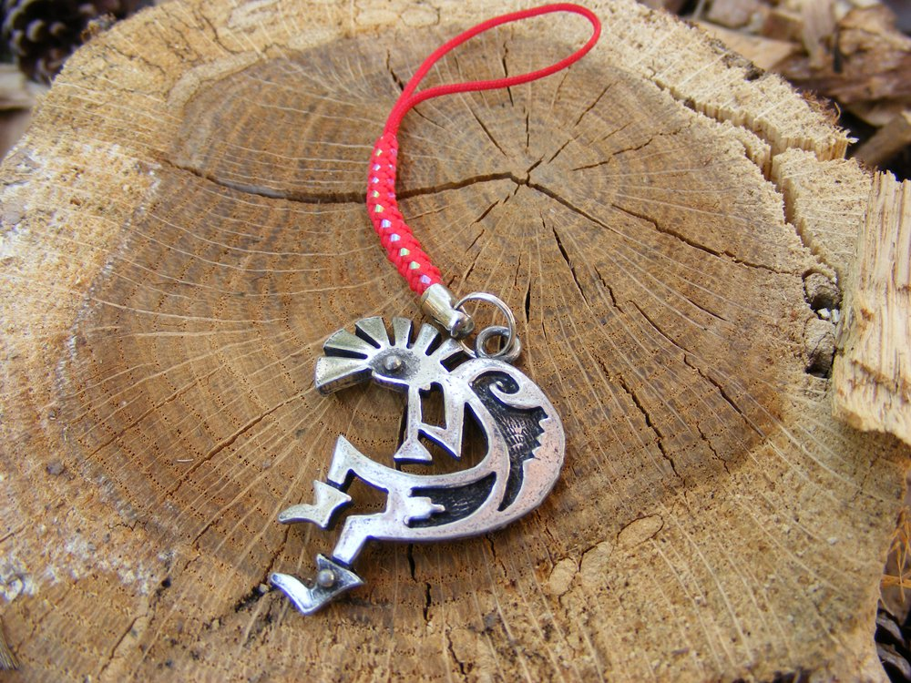 Handcrafted Zipper Pull Geocaching SWAG - Kokopelli