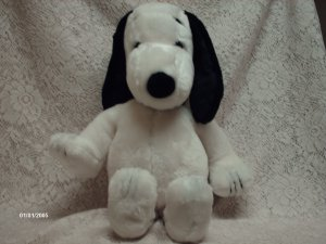 19 1968 United Feature Syndicate Snoopy Plush Toy
