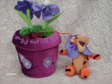 "DISNEY STORE 8"" Plush FLOWER POT TIGGER - Bouncing Is Fun Plush Toy"