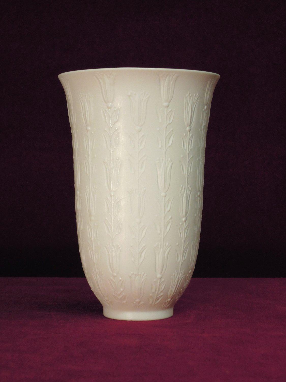 rosenthal floral vase bjorn wiinblad. Black Bedroom Furniture Sets. Home Design Ideas