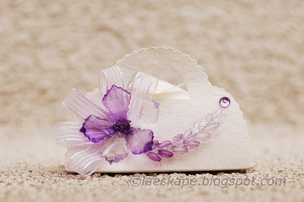 Favor Box- White Purse box with Purple Flower