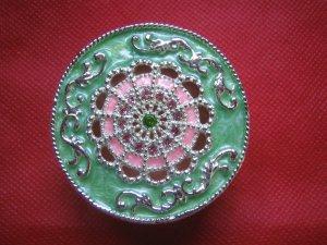 Elegant miniature trinket/jewellery box-brand new-round