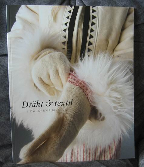 COSTUMES & TEXTILES book - Dalarna Swedish NEW