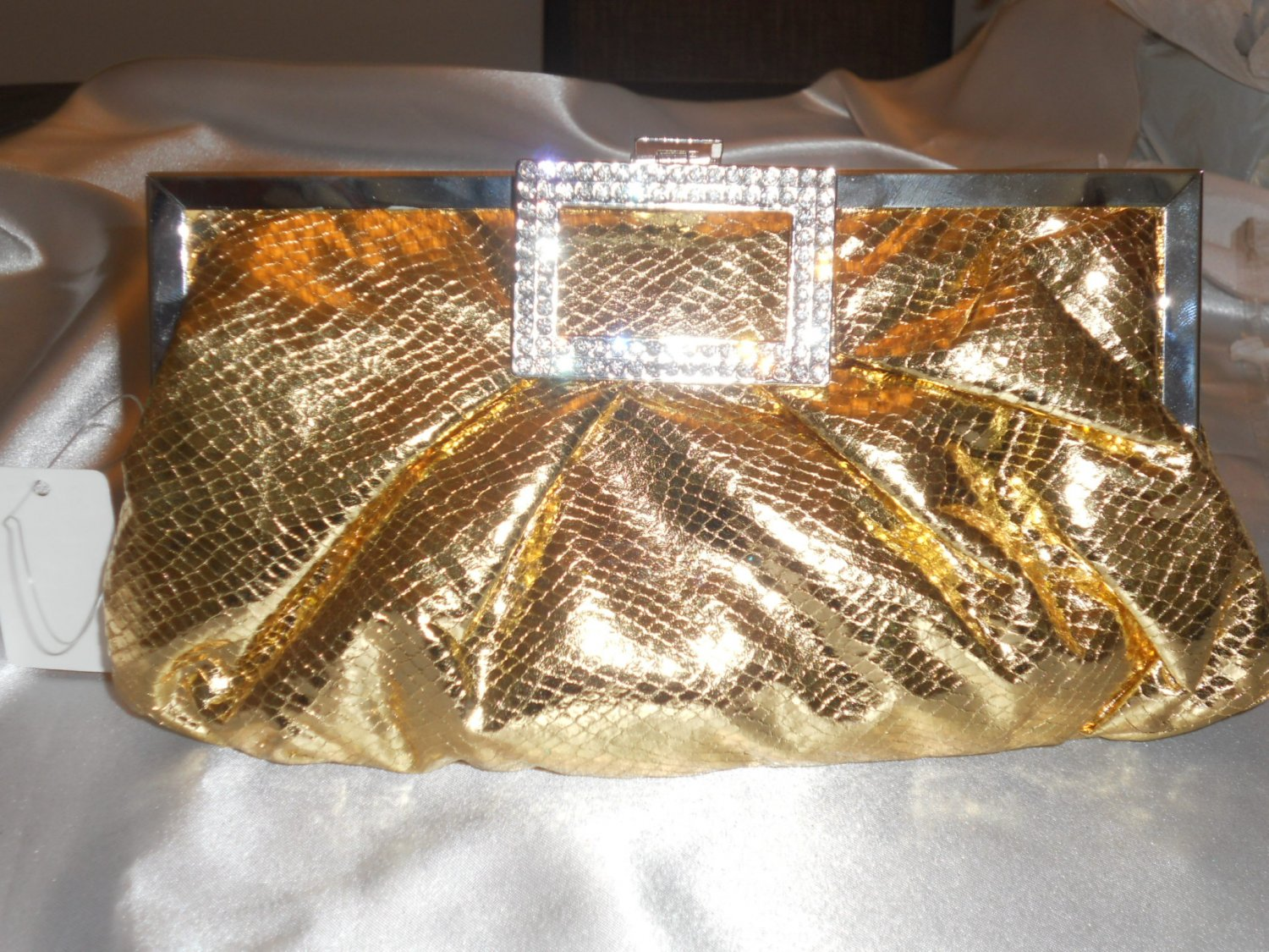 BRAND NEW GOLD AND CRYSTAL EVENING CLUTCH BAG